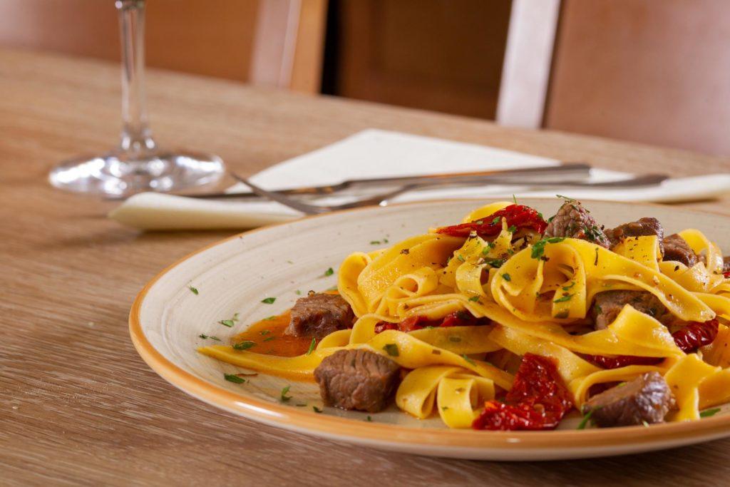 Frische Italienische Pasta mit Fleisch